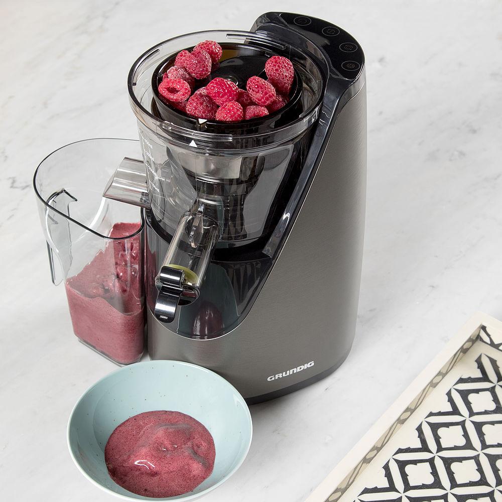 Grundig Slow Juicer 8640 : Sommerliche Desserts auf Knopfdruck