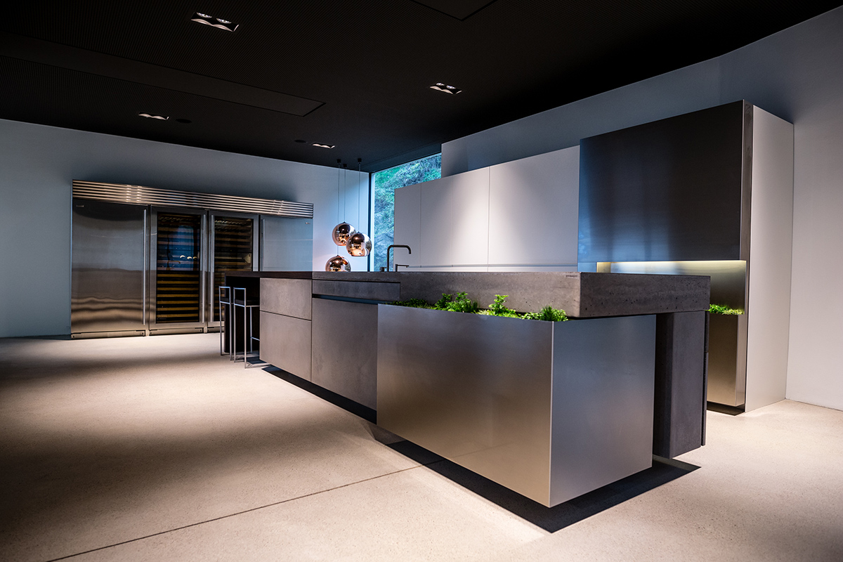 The PURE kitchen is perfect for a monolithic island kitchen style
