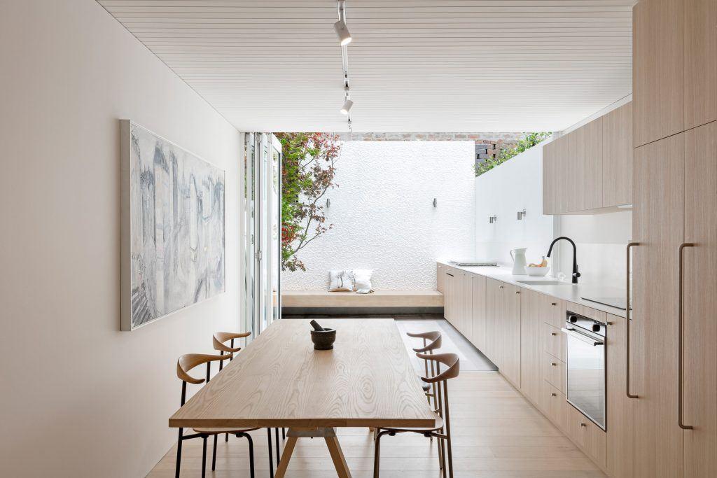How To Pull Off An Indoor Outdoor Kitchen Kitchen Magazine