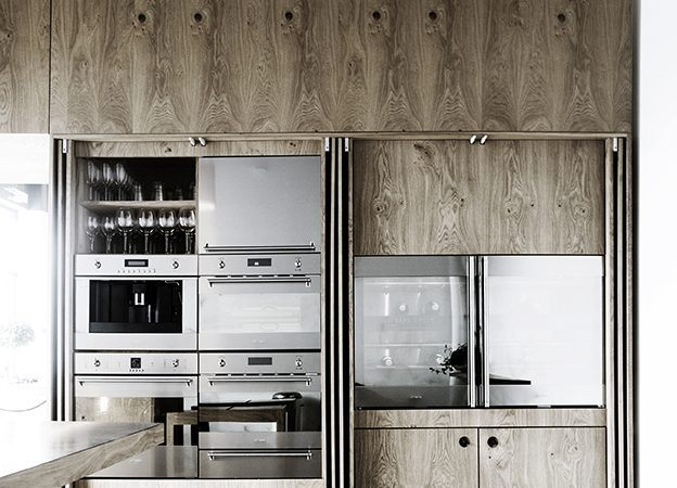 5 Companies Making Concealed Kitchens, Us Kitchen Cabinet Makers