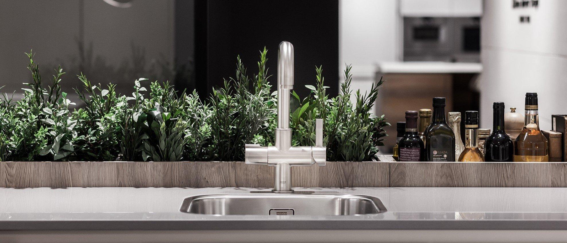 Kitchen Faucet Buying Tips   Kitchen Magazine